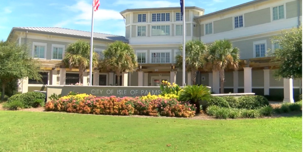 Isle of Palms passes ordinance requiring face masks for retail and food service establishments