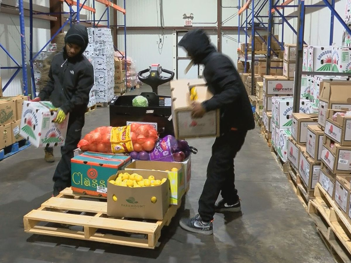 Community Resource Center hosting food distribution in Summerville