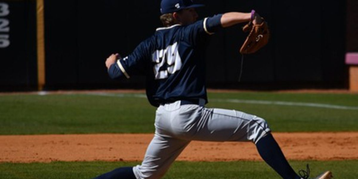 Eagles rally in ninth for Sunday finale win over Bucs