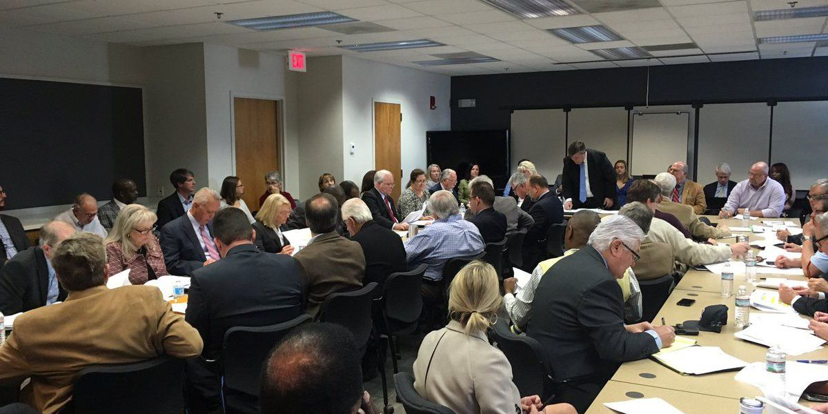 Transportation study committee unanimously passes resolution on I-526
