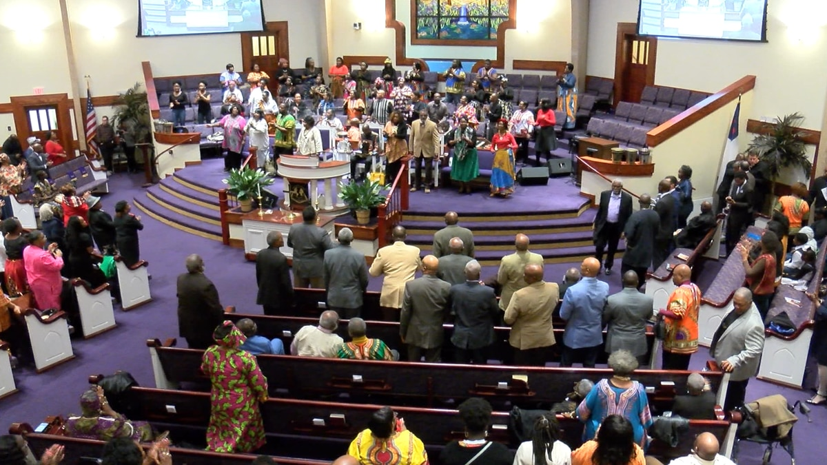 Candidates attend church in lowcountry ahead of primary week