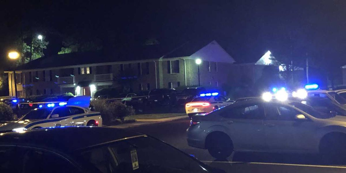 Police: Man shot in leg taking trash to dumpster at Summerville apartment complex