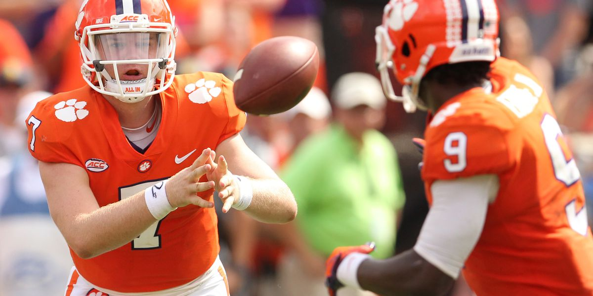 Clemson drops to No. 4 in AP Top 25