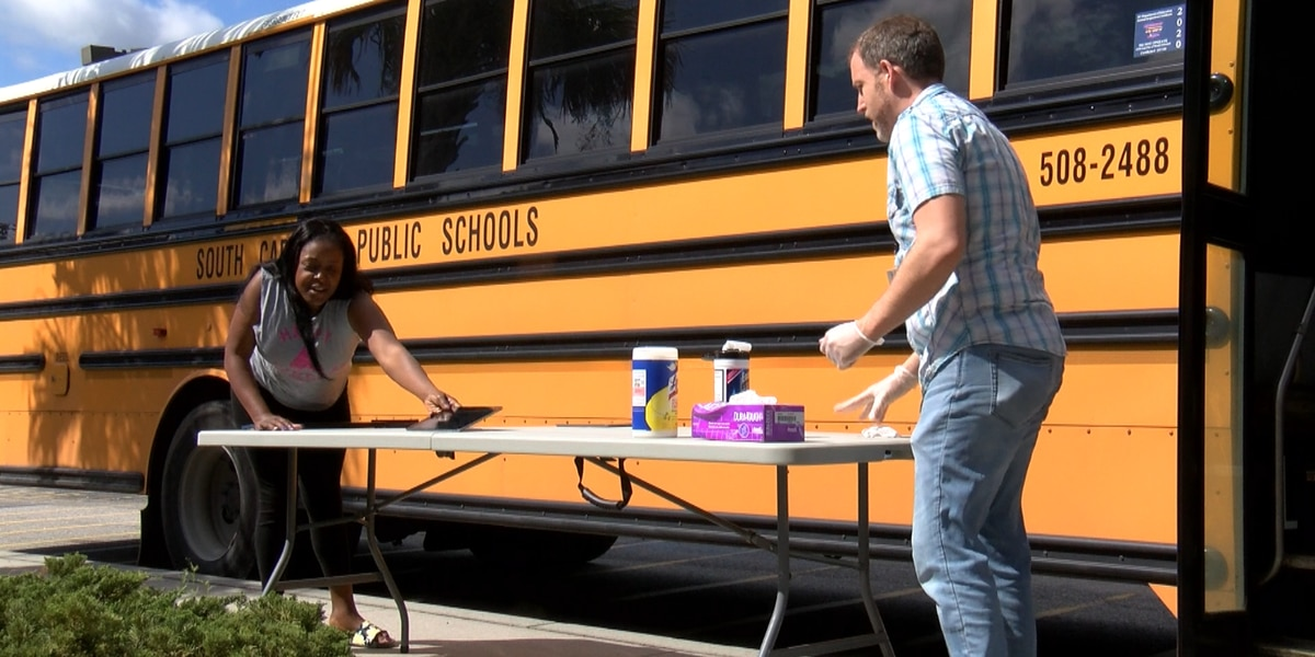 Lowcountry school districts offering tech help to students, teachers