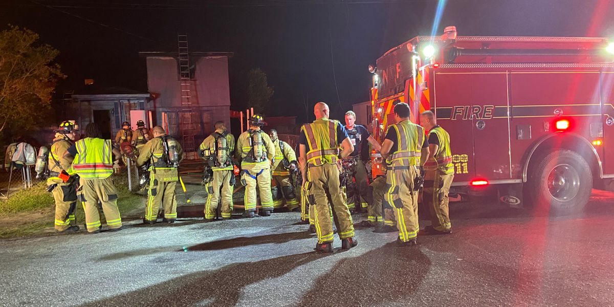 House fire in North Charleston displaces two people