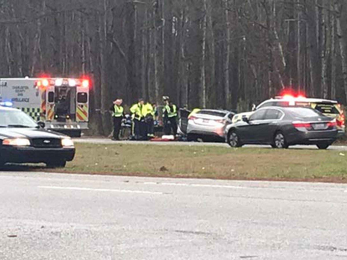 Crash blocks lane of Glenn McConnell Parkway in West Ashley