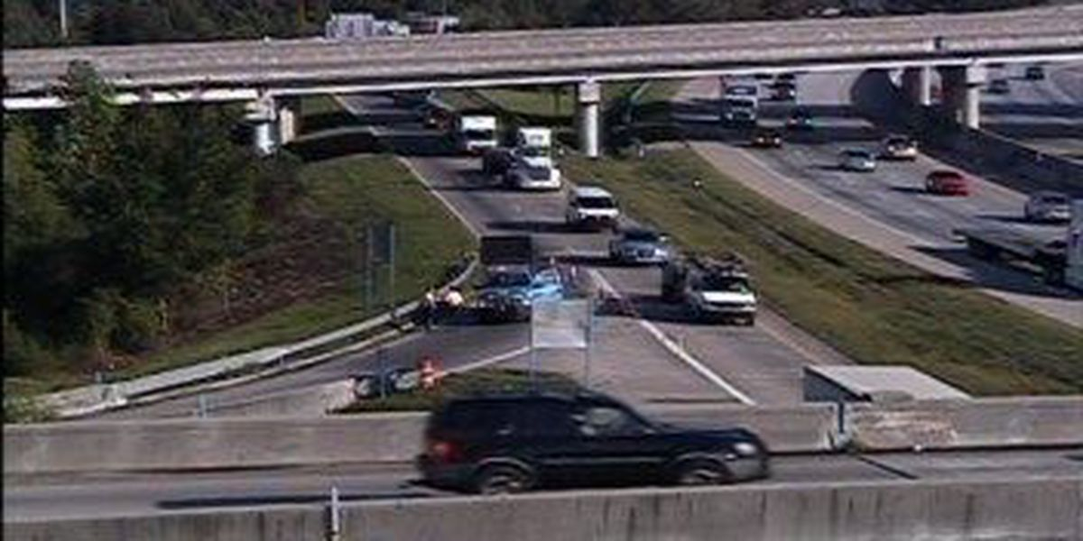 Disabled vehicle cleared from I-26 interchange ramp
