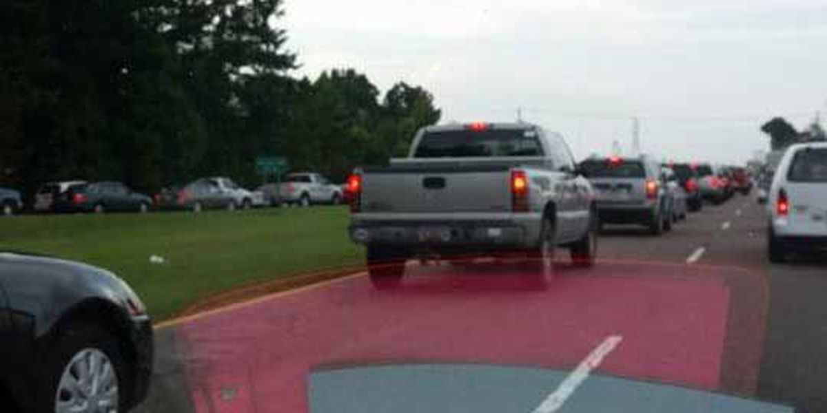 Traffic moving again on Rivers Avenue following accident