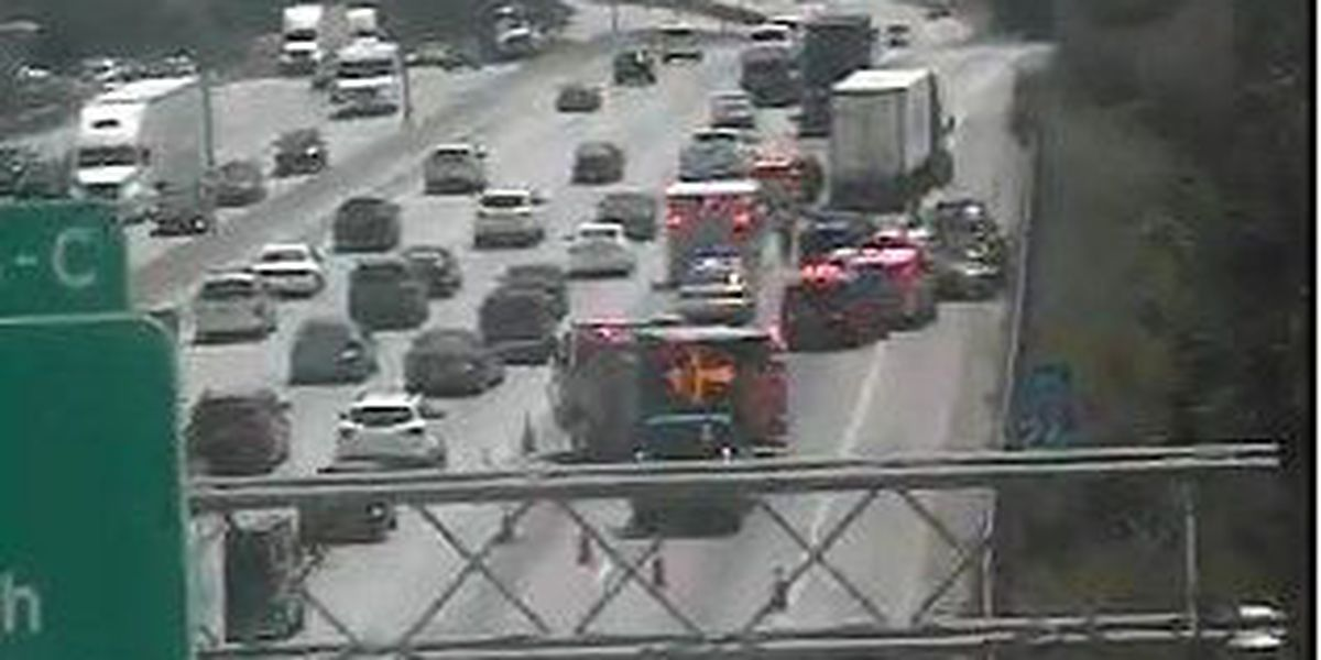 Emergency crews clear accident at I-26/I-526 interchange