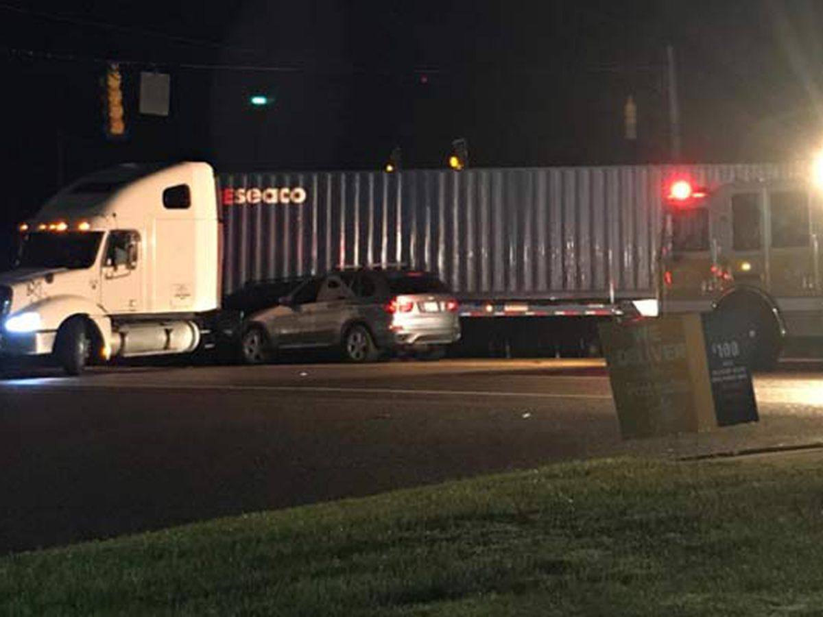 College Park Road reopens after early-morning crash
