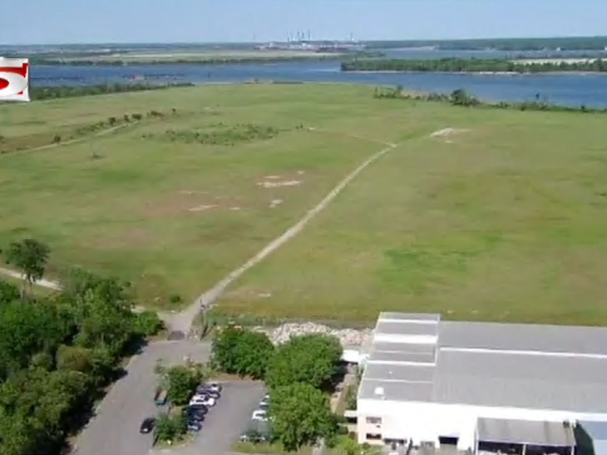 Laurel Island height requirements up for discussion