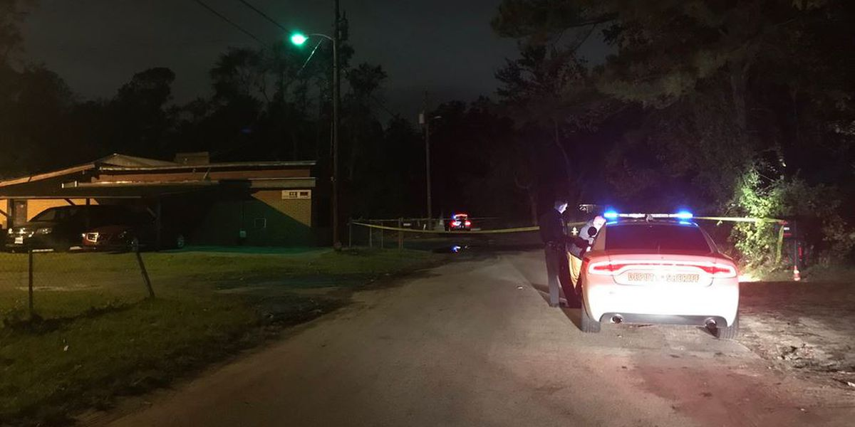 Deputies investigating after person found dead near N. Charleston pathway