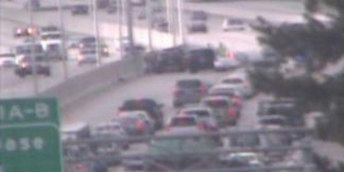 Troopers: No serious injuries in I-26 wreck in N. Charleston