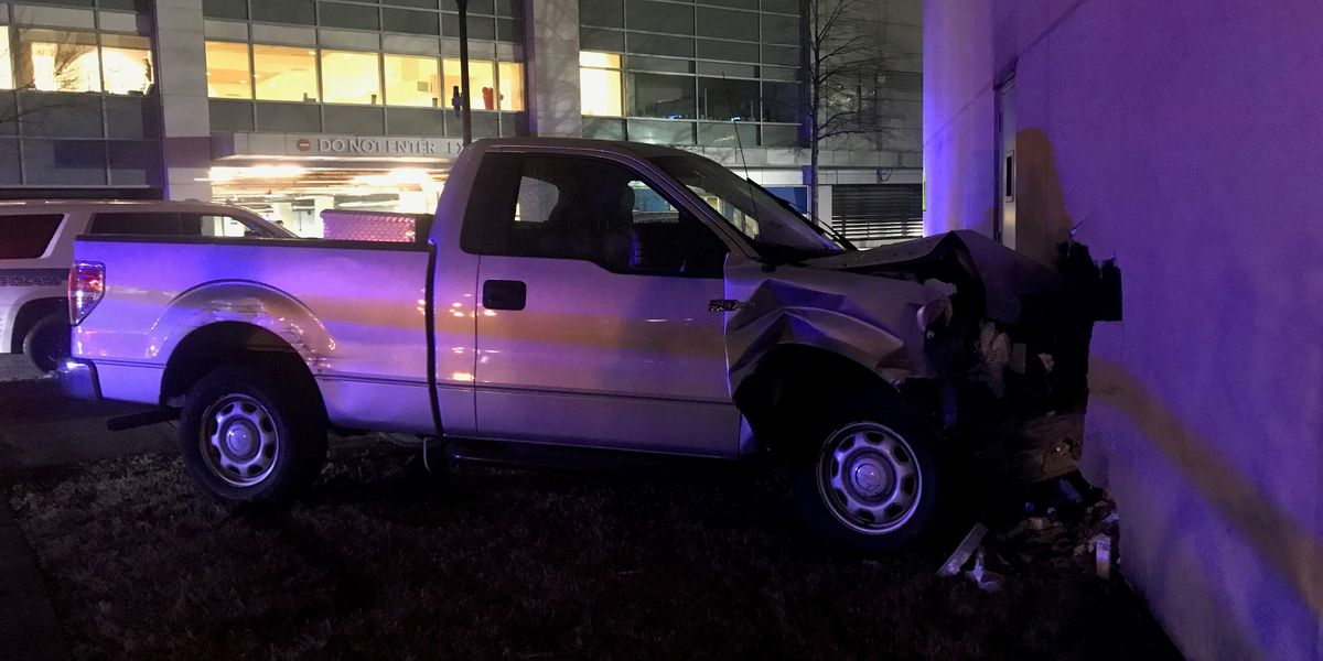 Truck crashes into building in downtown Charleston near MUSC