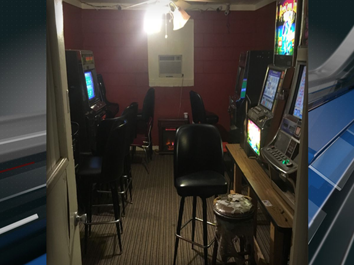 SLED, Berkeley County deputies seize gambling machines from store in Huger