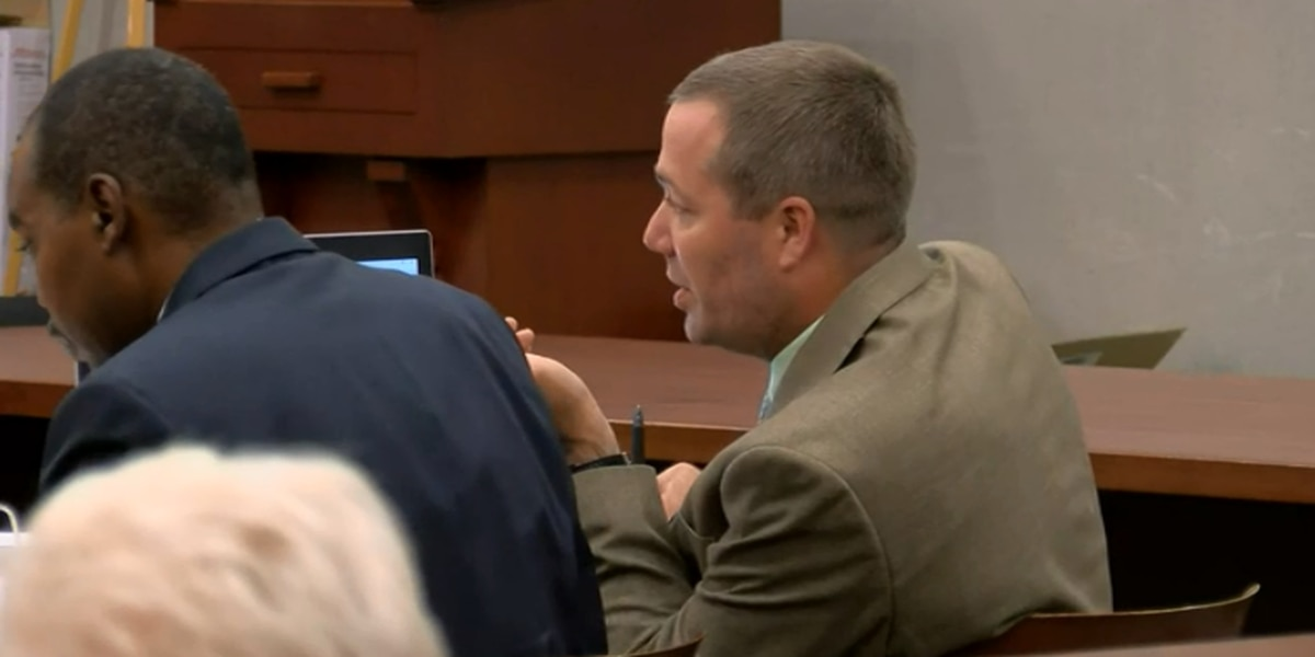 Day 3 of testimony focuses on cellphone calls in Sidney Moorer's trial
