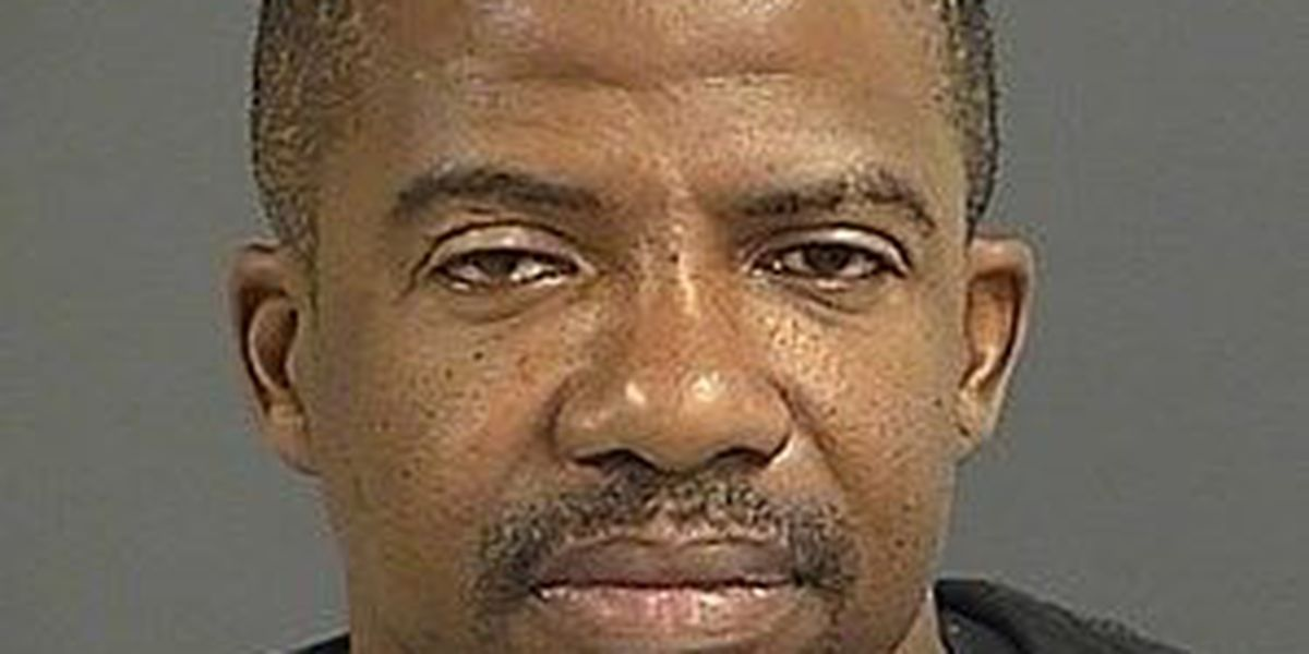 Charleston police arrest man wanted on multiple warrants