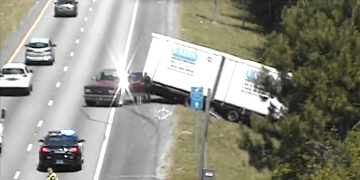 Delays reported on I-526 after after truck carrying storage unit runs off road