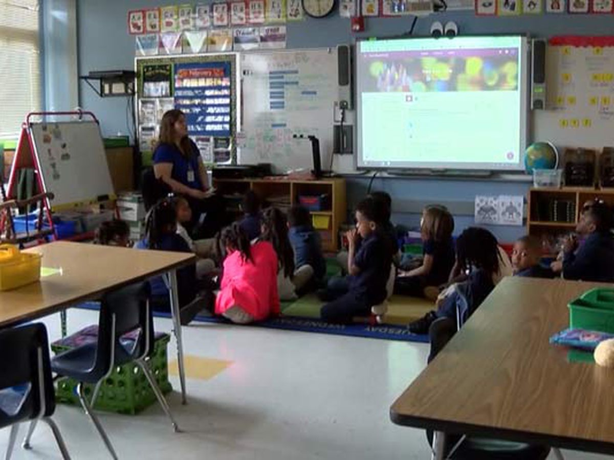 Survey: Teachers want to return to classrooms, students face tech challenges