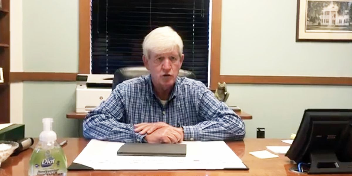 Summerville mayor says no plans for town to shut down, asking residents to be safe