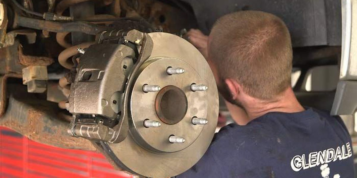 Experts: Listen for tell-tale noises of worn brakes