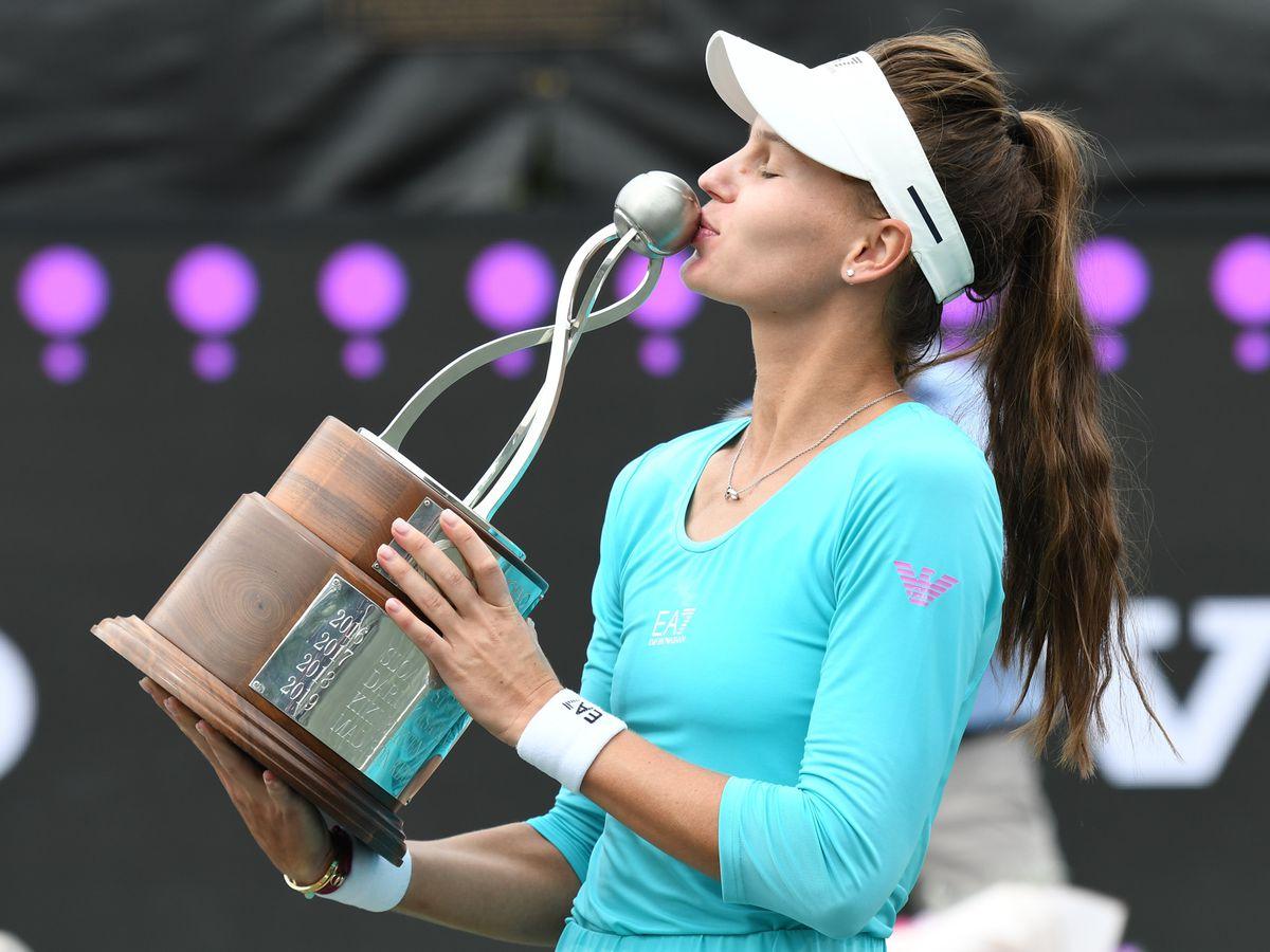 Veronika Kudermetova wins Volvo Car Open in straight sets