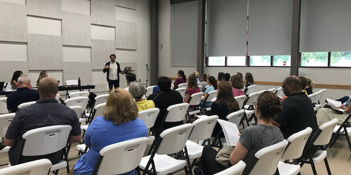 District 20 parents say they want 'transparency' from CCSD during community forum