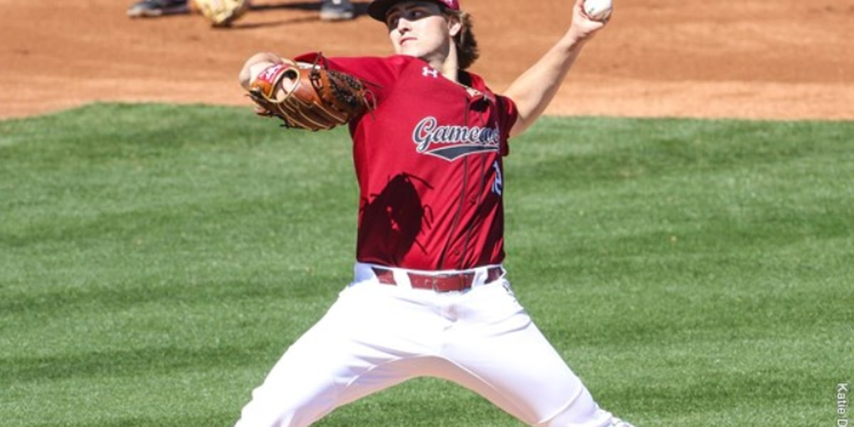 South Carolina Sweeps Mercer; Wins 10th Straight to Start the Year