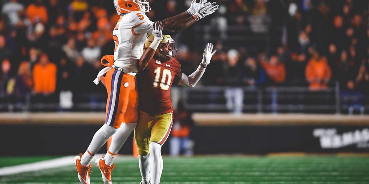 Clemson duo, USC's Edwards on Biletnikoff Award Watch List