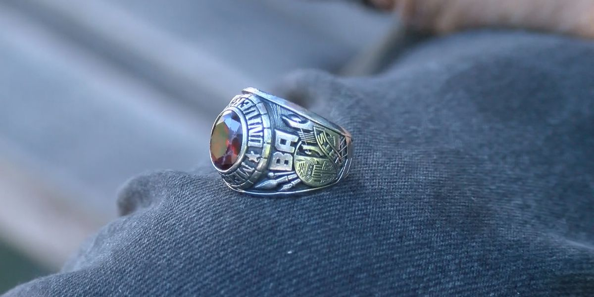 Savannah Man gets reunited with class ring after 27 years