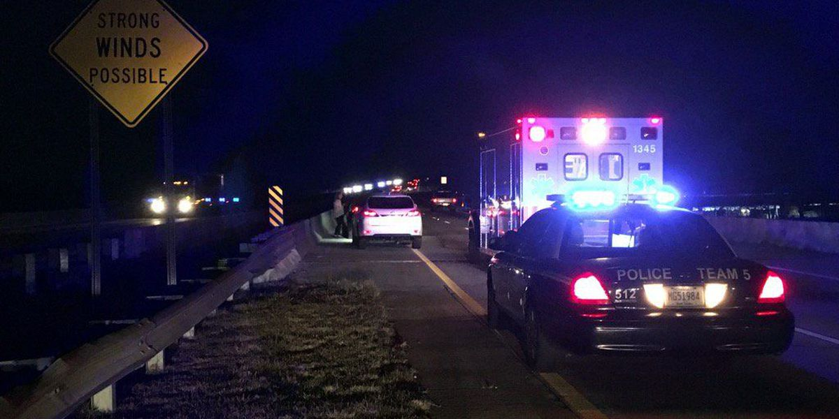 Emergency crews respond to I-526 accident in Mount Pleasant