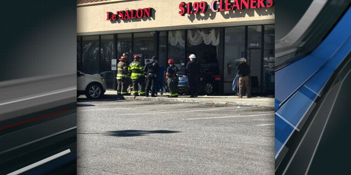 Car crashes through front window at West Ashley salon
