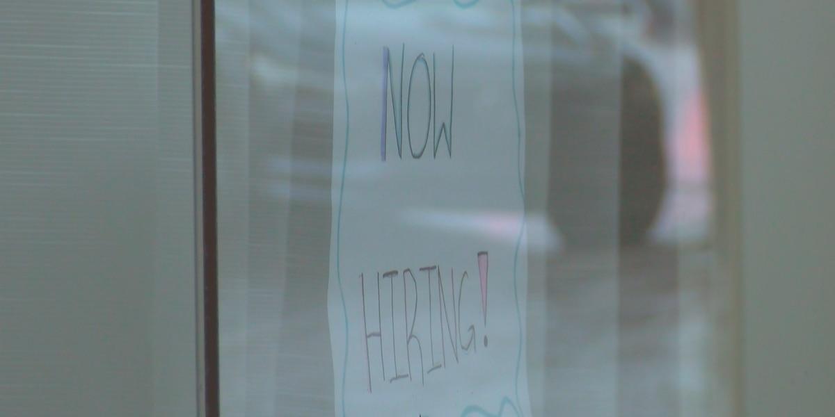 Fast food, restaurant worker shortages impacting local restaurants, chains