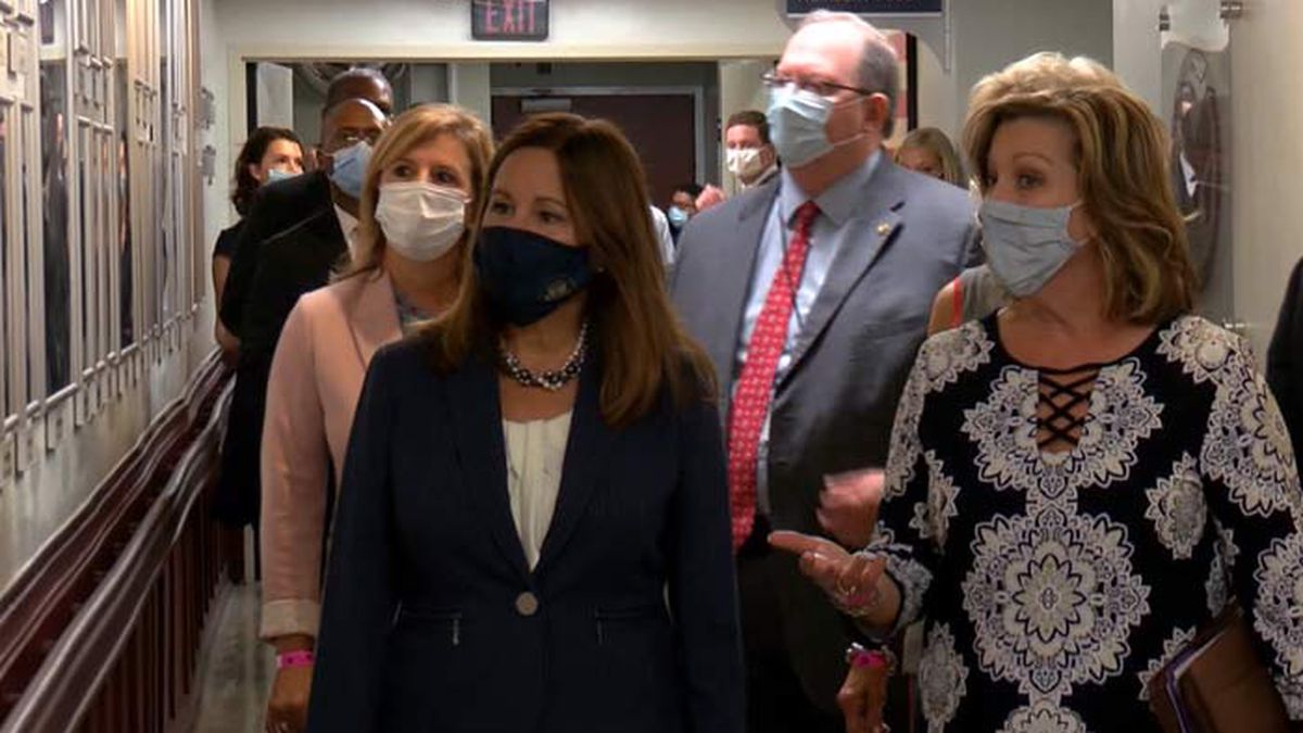 Karen Pence visits Ralph H. Johnson VA Medical Center