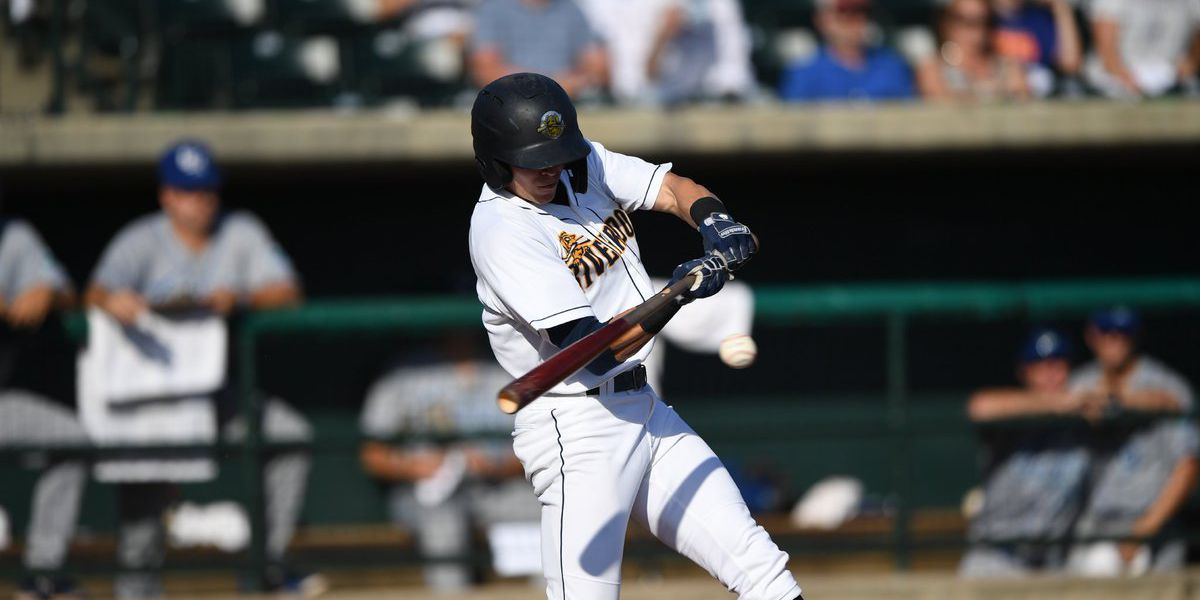 Another Early Barrage Holds Up as Charleston Takes Series Lead