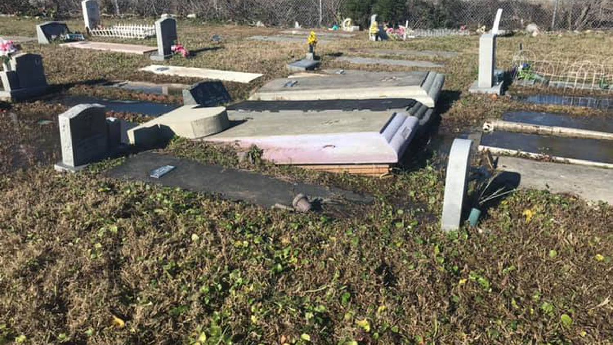Graves in Charleston cemetery uprooted after flooding on the grounds
