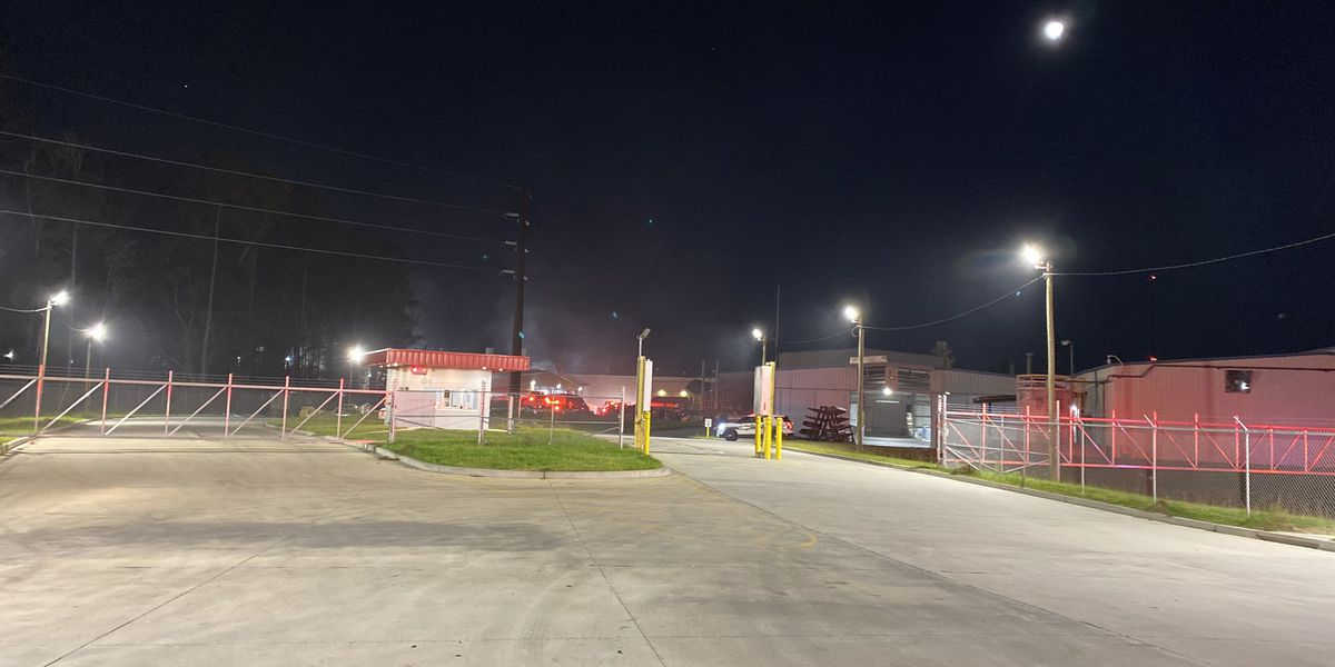 Fire crews respond to Goose Creek aluminum plant