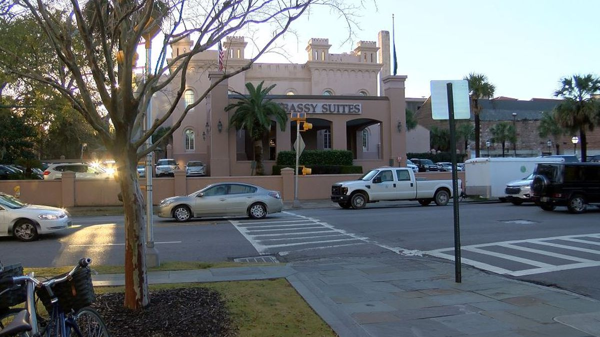 Police investigate death at Embassy Suites in Downtown Charleston