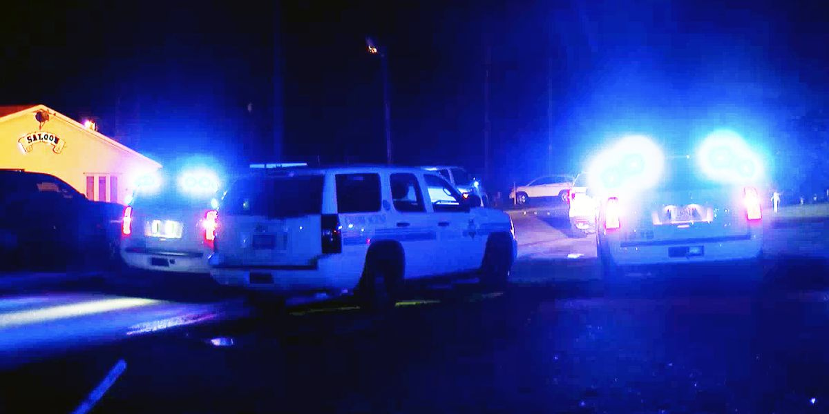 One man transported to the hospital following shooting at Ladson bar