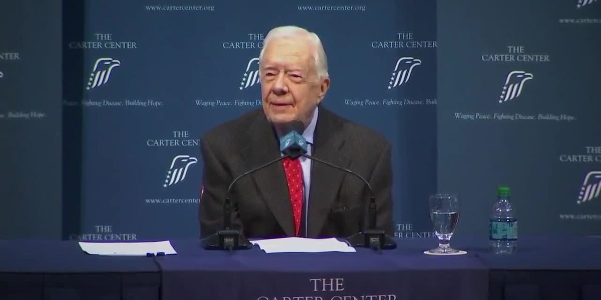 Former President Jimmy Carter fractures pelvis during fall