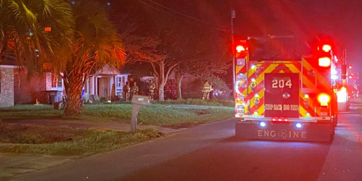 Firefighters respond to early-morning house fire