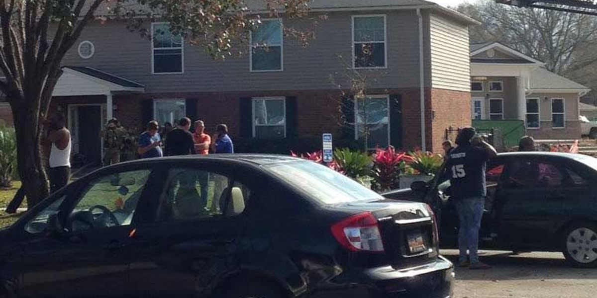Firefighters: No injuries reported in Ashley River Rd. apartment complex fire