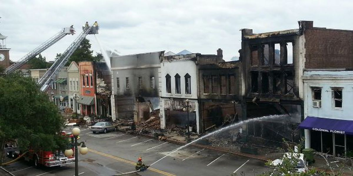 Contractor removes remaining facades in historic Georgetown
