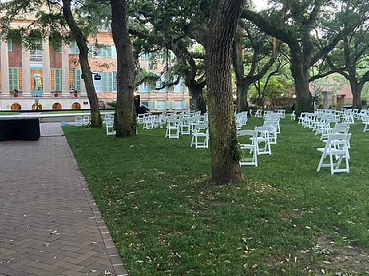 College of Charleston holding graduation ceremony Friday