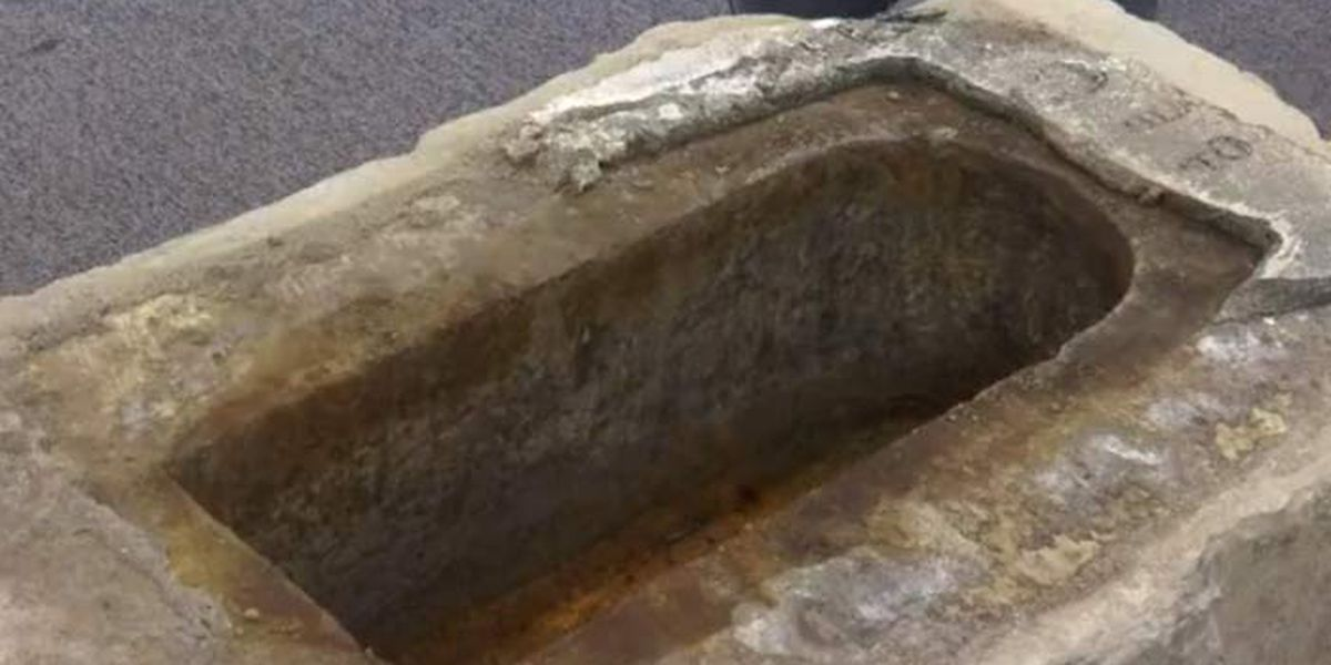WATCH LIVE: Charleston to open time capsule found in base of Calhoun Monument