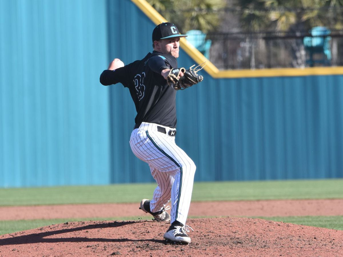 Coastal Drops Extra-Inning Contest to UConn