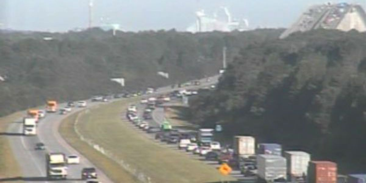 Disabled vehicle cleared from Wando Bridge