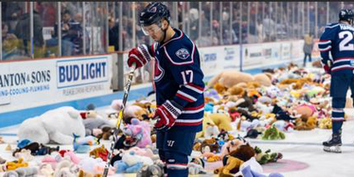 Stingrays Donate 11,754 Teddy Bears To Salvation Army