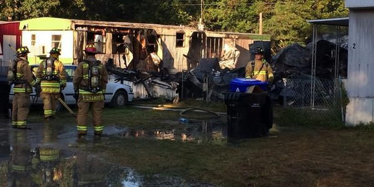 Fire destroys 2 trailers at Lincolnville mobile home park