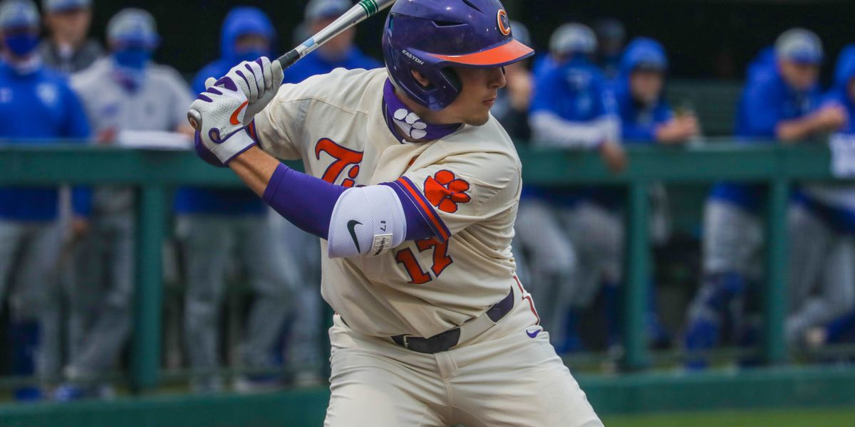 Tigers Outlast Panthers 7-2